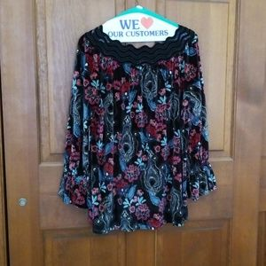 NWT Beautiful velvety blouse
